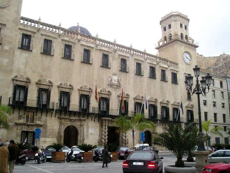 Imagen de archivo del Ayuntamiento de Alicante. EFE/Archivo