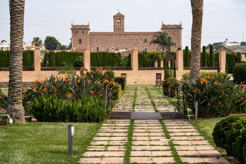 Vista del Monasterio de El Puig desde los jardines del Huerto de Santa María. EPDA
