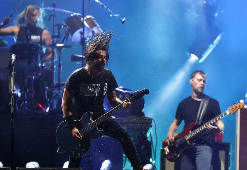 Los Foo Fighters en concierto. EFE/Marcelo Sayão/Archivo