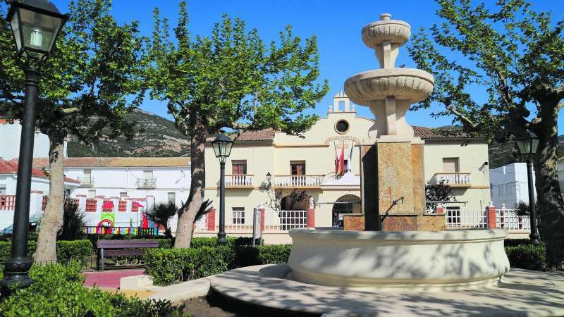 Plaza del Ayuntamiento de Chera. / EPDA