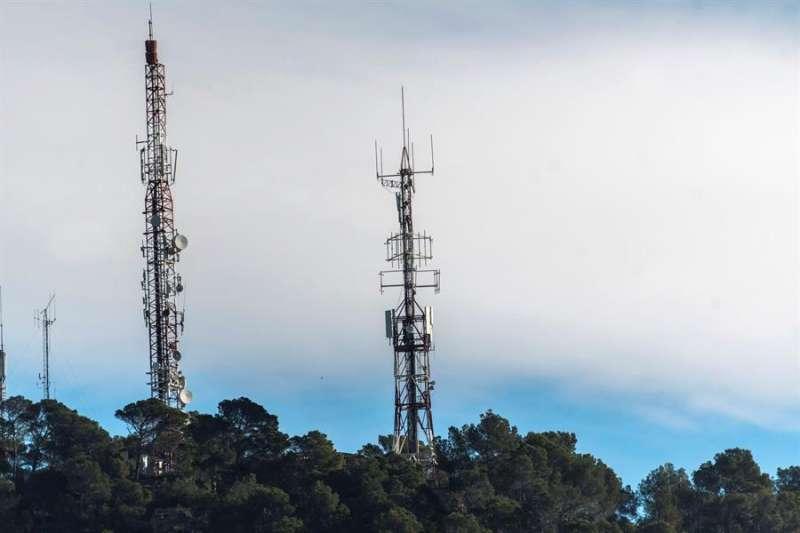 Vista general de antenas repetidoras de señal de Televisión Digital Terrestre (TDT). EFE/Archivo