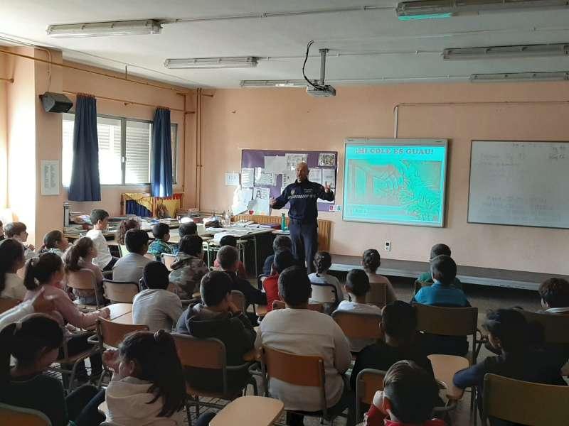 Taller en uno de los centros educativos de Alfafar. EPDA