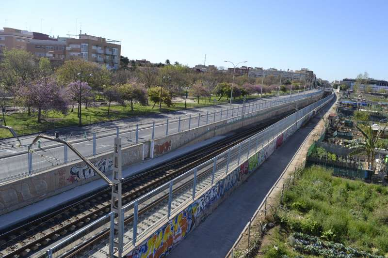 Raíles de una línea de Cercanías. EPDA