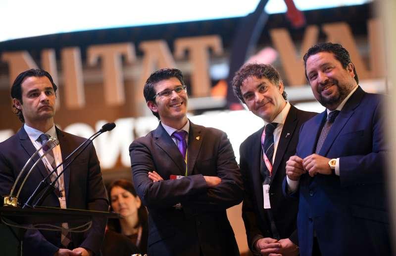 Los presidentes de las tres diputaciones de Alicante, Valencia y Castellón junto con el secretario autonómico en Fitur 2018.