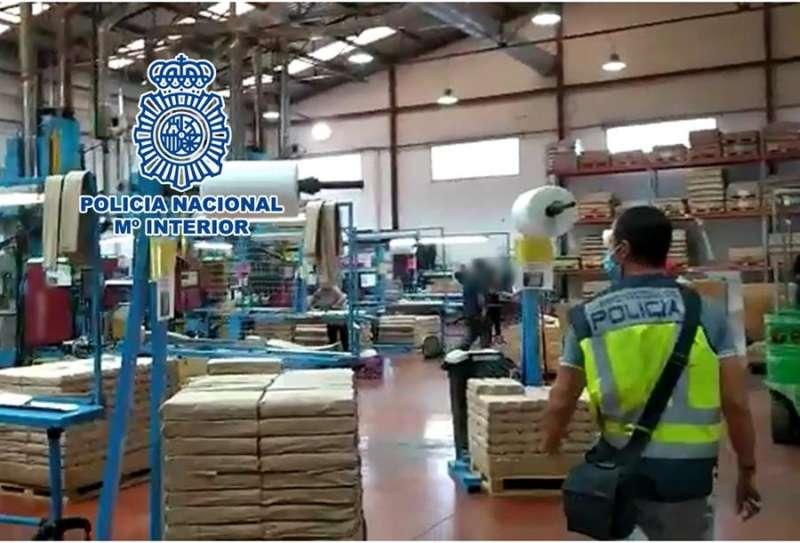Momento de la operación, en una imagen de la Policía Nacional.