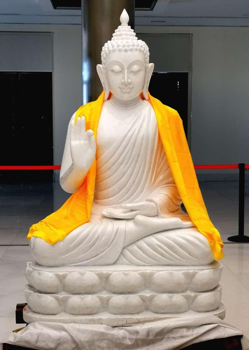El Buda gigante de dos toneladas