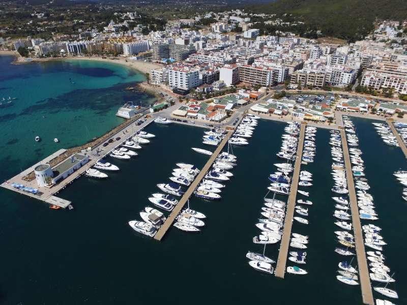 Puerto de Marina Santa Eulalia (Ibiza).
