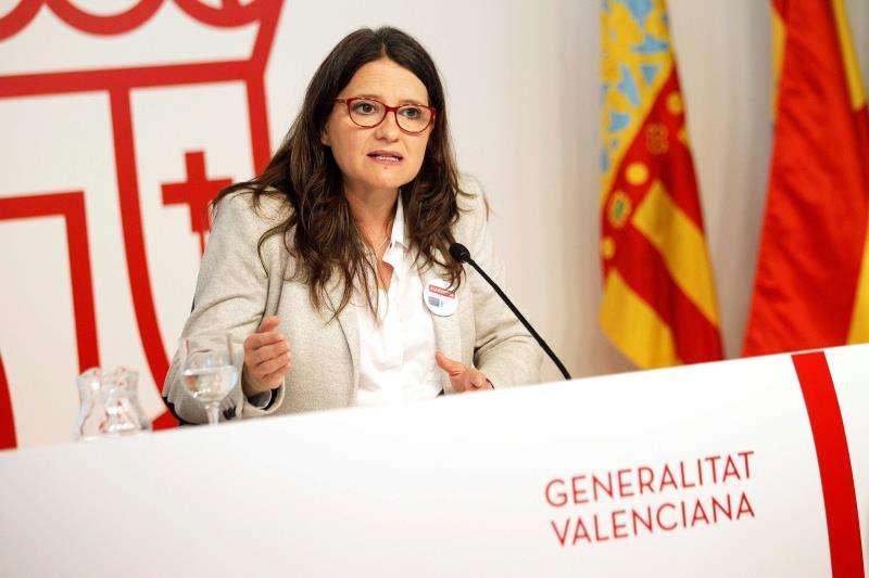 La vicepresidenta y portavoz del Consell, Mónica Oltra, informa en rueda de prensa de los acuerdo del Gobierno valenciano en su última sesión plenaria ordinaria antes del inicio de la campaña electoral para las elecciones autonómicas del 28 de abril. EFE