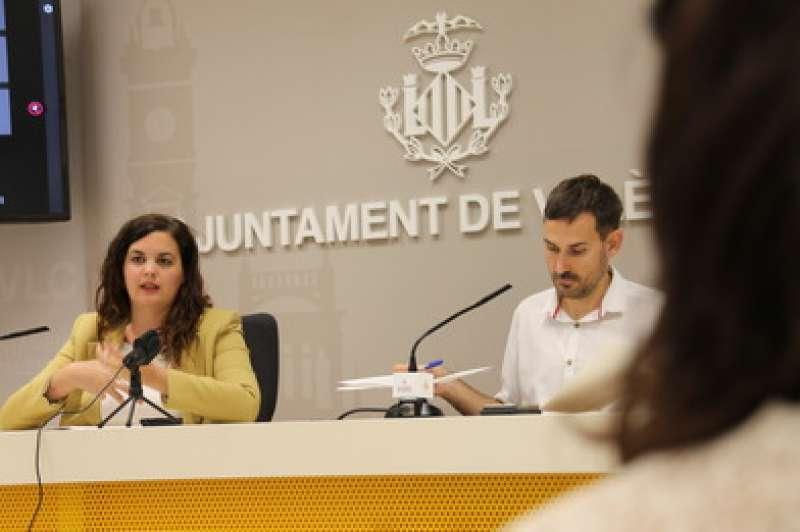 Sandra Gómez y Sergi Campillo durante la rueda de prensa.
