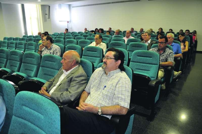 El ex alcalde de San Antonio, Eugenio Cañizares, y el secretario municipal, fueron a respaldar a Sancho el 19 de septiembre de 2014 a Canet d