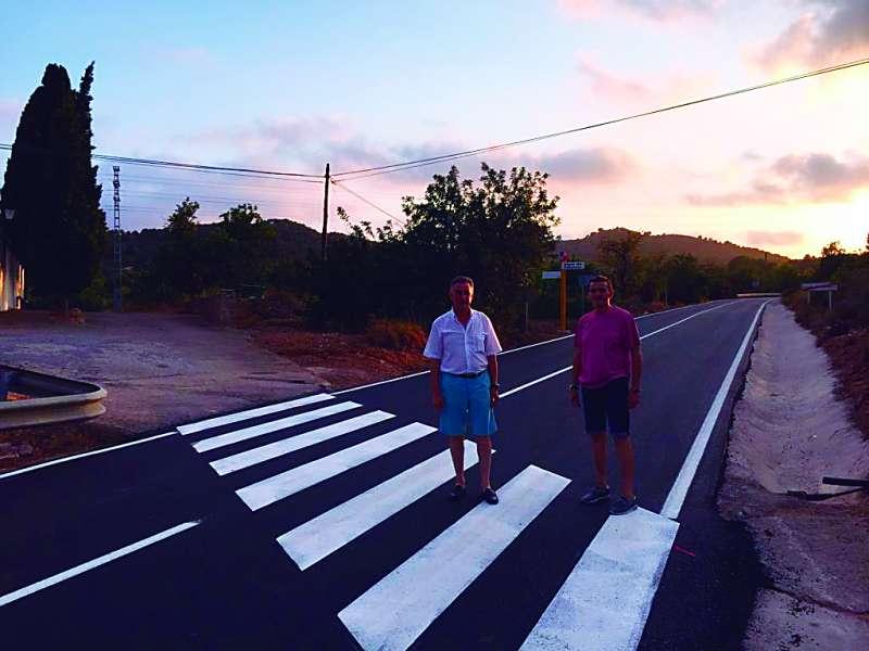 L?alcalde i el regidor en la carretera. EPDA