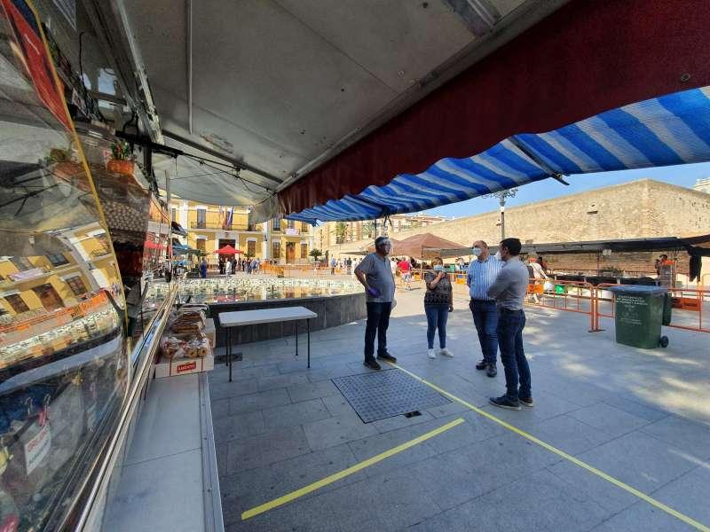 Mercado de los miércoles en Burjassot. EPDA