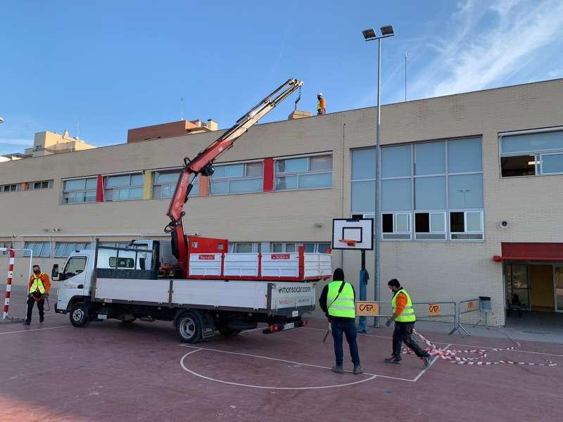 Obras de instalación fotovoltaica en CEIP Lloma Llarga.EPDA