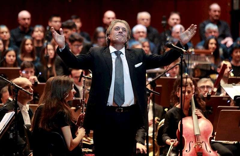 El cantante Francisco durante una actuación. EFE/Archivo