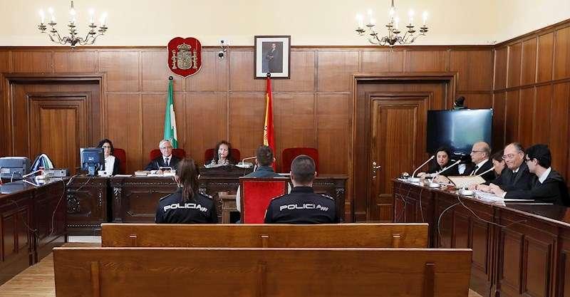 Imagen de archivo de un juicio en una Audiencia Provincial. EFE/Archivo