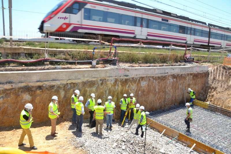 Operarios trabajan en las obras de la estación. EPDA