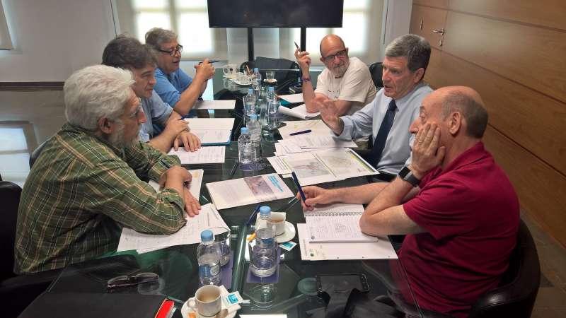 Reunión con representantes vecinales de Aragón y CV en el Puerto de València.