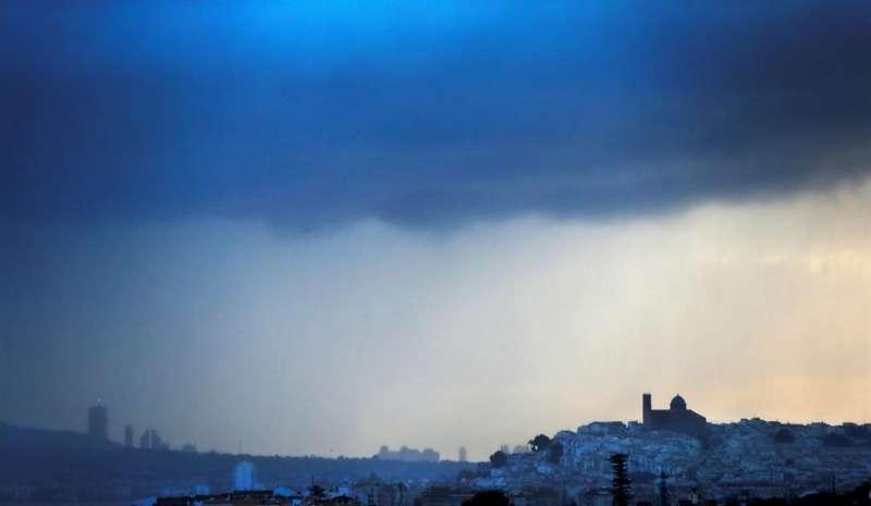 Cielo muy nuboso en la localidad de Altea. EFE