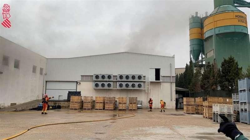 Imagen de la nave afectada publicada por Emergencias en redes sociales.