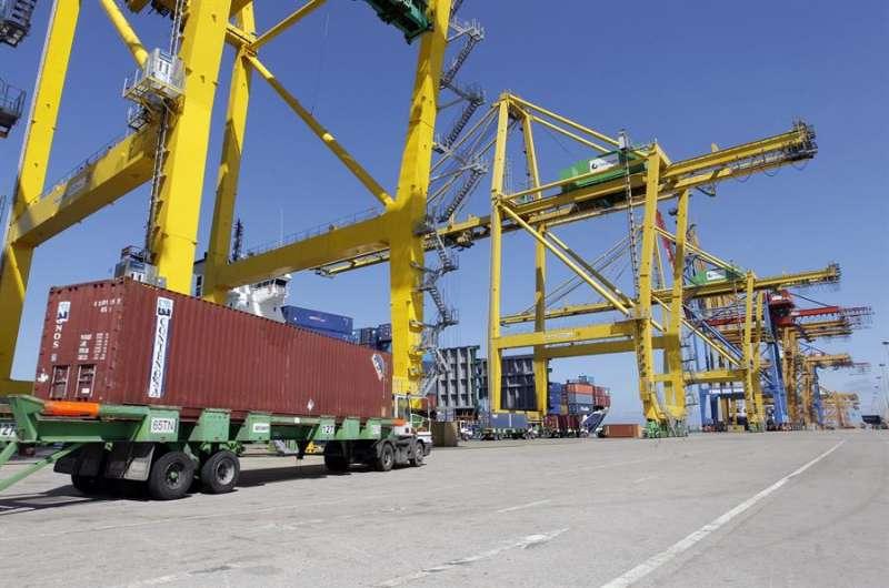 Terminal de contenedores del Puerto de Valencia. EFE