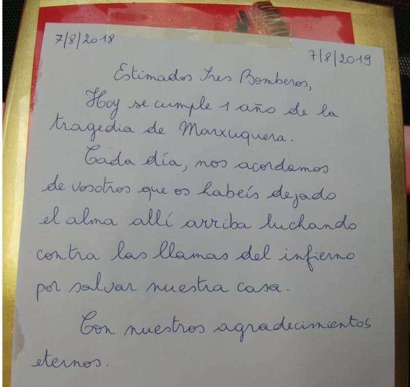 Imagen de la carta escrita por la vecina de Gandia a los bomberos, publicada por el consorcio provincial en su Twitter. EFE
