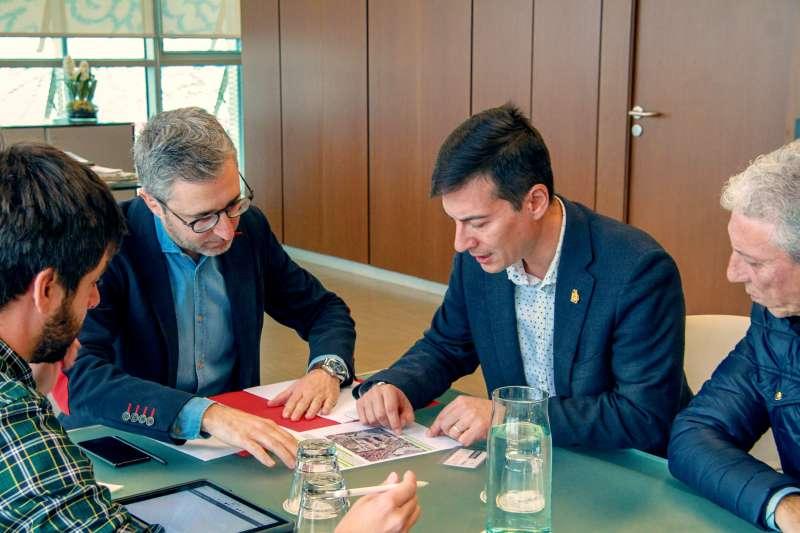 Reunión del conseller con el alcalde de Burjassot. EPDA