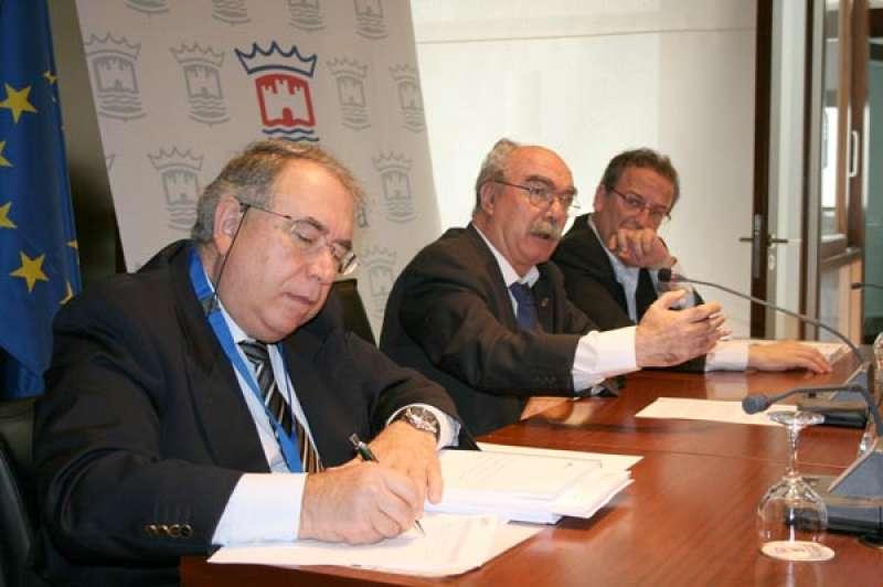 Sancho en una reunión del Consorcio Pangea. FOTO EPDA