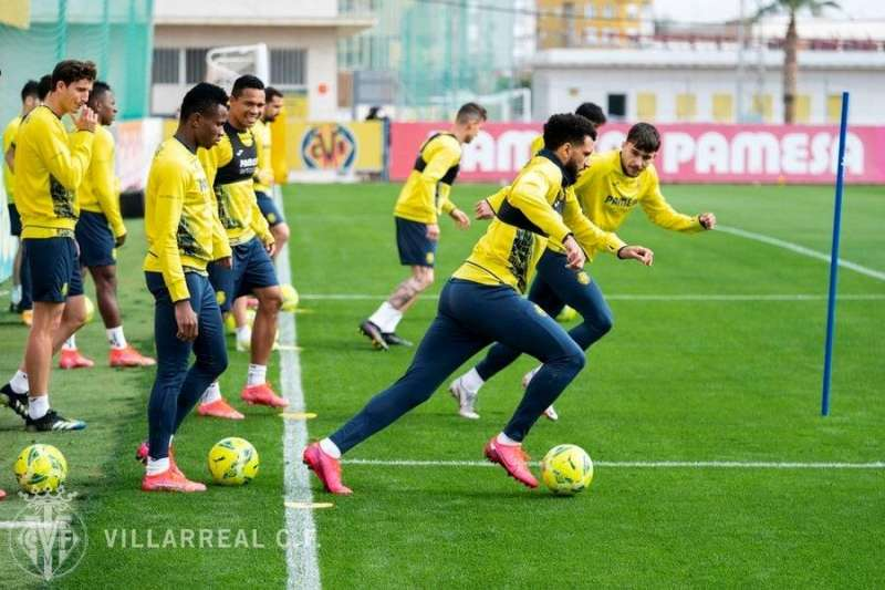 Los jugadores del Villarreal entrenan para su visita al Mestalla, en una imagen compartida en redes por el club.