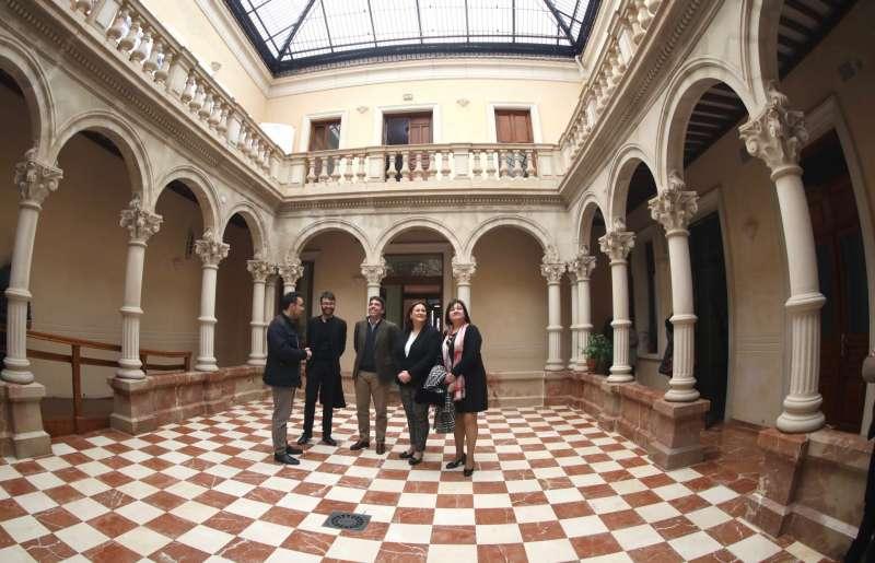 El presidente de la Diputación de Alicante se reúne con el alcalde de Novelda. EPDA