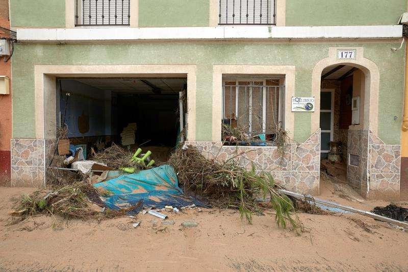 Vista de una de las viviendas destrozadas por el desbordamiento del río Clariano a su paso por la localidad valencia de Ontinyent, en una imagen del viernes. EFE/Natxo Francés