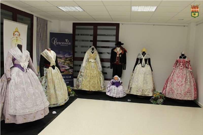 Exposición de indumentaria valenciana. EPDA