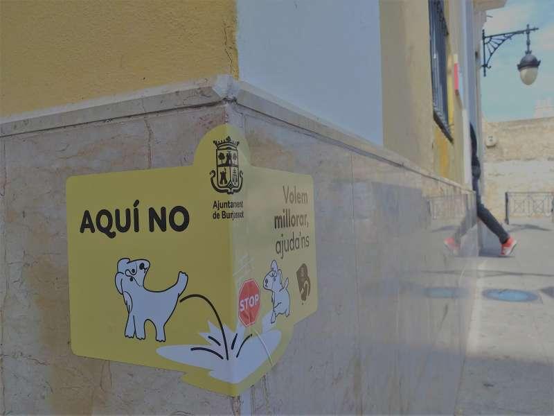 Carteles en las esquinas del municipio. EPDA