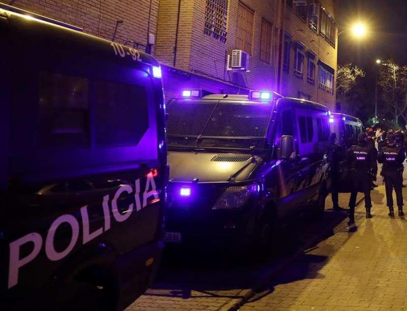 La Policía Nacional en el escenario de un crimen. EFE/Archivo