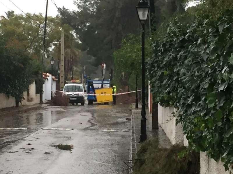 Calle cortada en la Urbanización de La Pedralvilla de Olocau. / EPDA