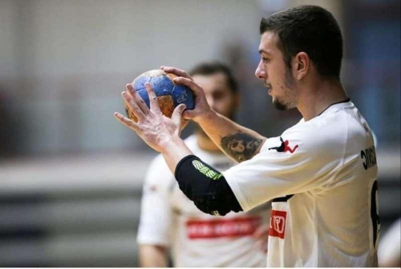 El Montenegrino Balsa Cejovic, nuevo jugador del CBM Benidorm, en una imagen facilitada por el club alicantino. EFE