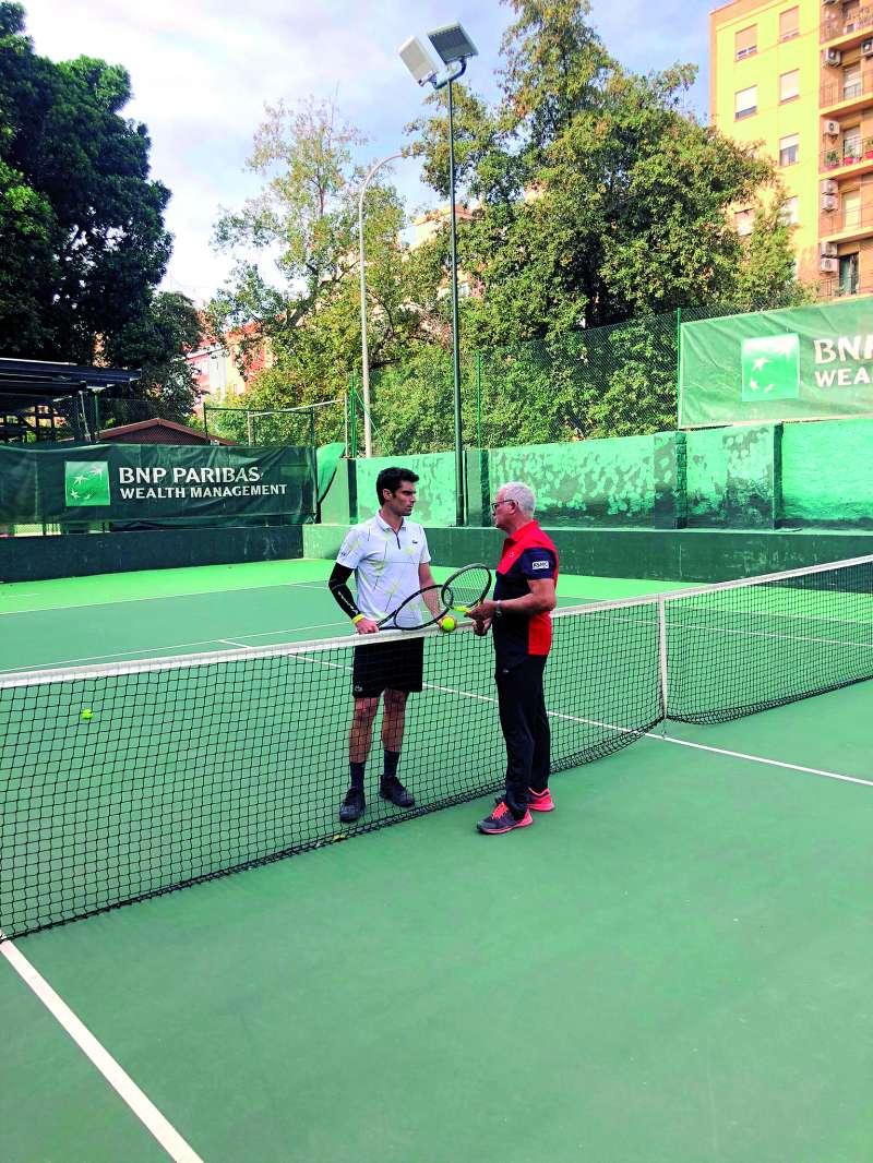 A la derecha Juanjo Cabrera en una sesión de entrenamiento./EPDA