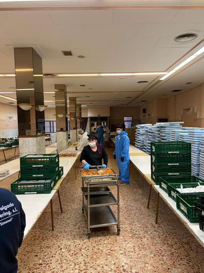 El servicio de catering que ofrece el Ayuntamiento a través de Servicios Sociales. / EPDA