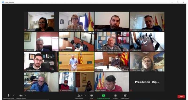 Reunión telemática de los alcaldes con el presidente de Diputación. / EPDA