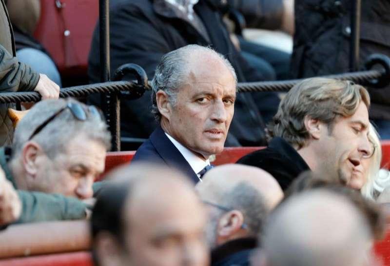 El expresident de la Generalitat, Francisco Camps, en el burladero de la plaza de toros de València. EFE
