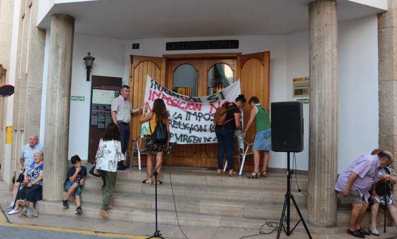 El Ayuntamiento de Altura en la concentración de ayer