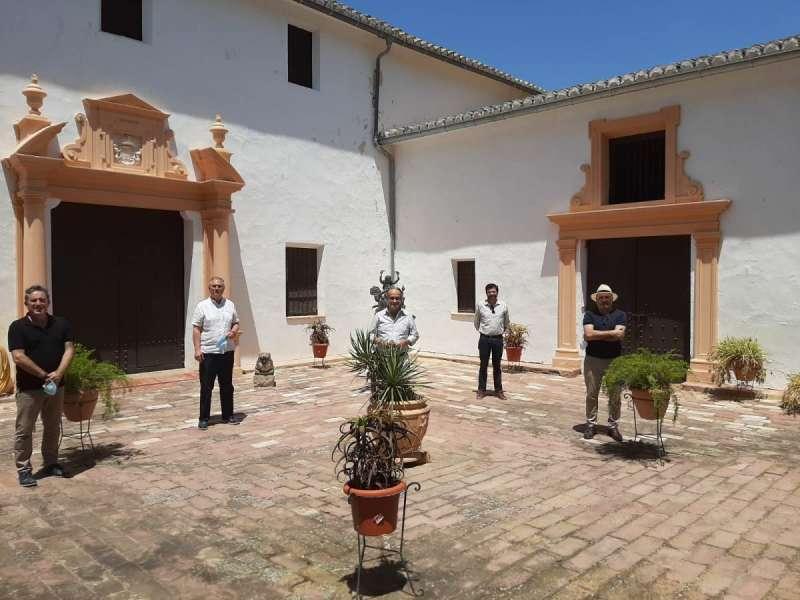 Instante de la visita a la Masía del Espinar. / EPDA