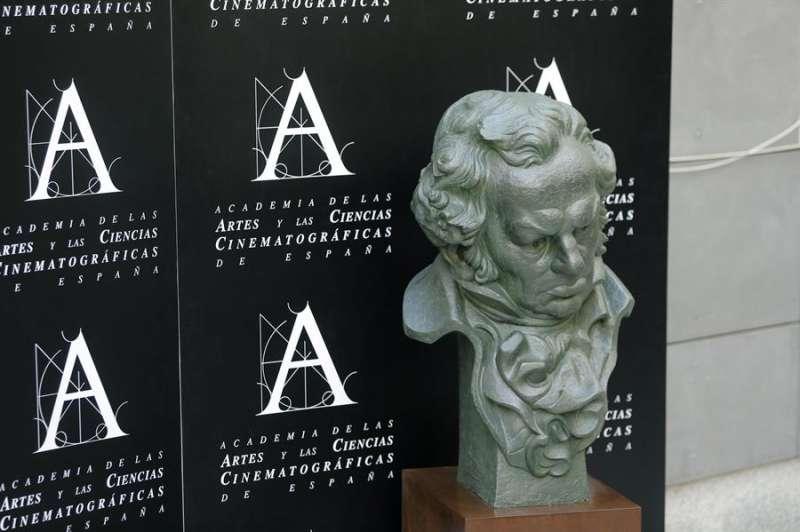 Reproducción de la estatuilla del Premio Goya en la Academia de las Artes y Las Ciencias Cinematográficas. EFE/Archivo