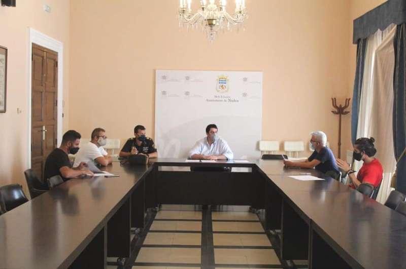 El alcalde de Nules preside la reunión sobre la puesta en marcha del distintivo. / EPDA