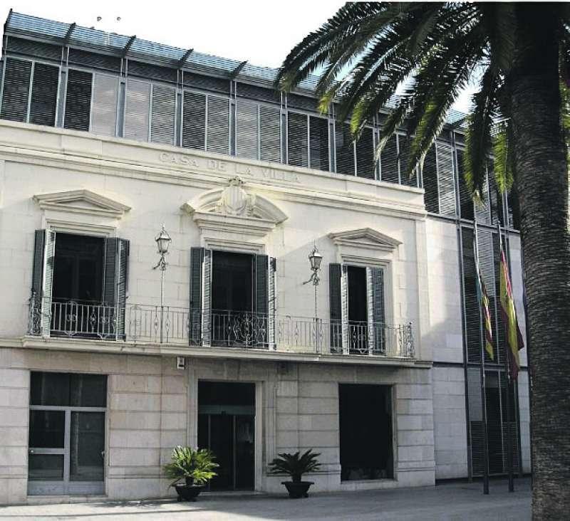 Fachada principal del Ayuntamiento de Massamagrell. EPDA