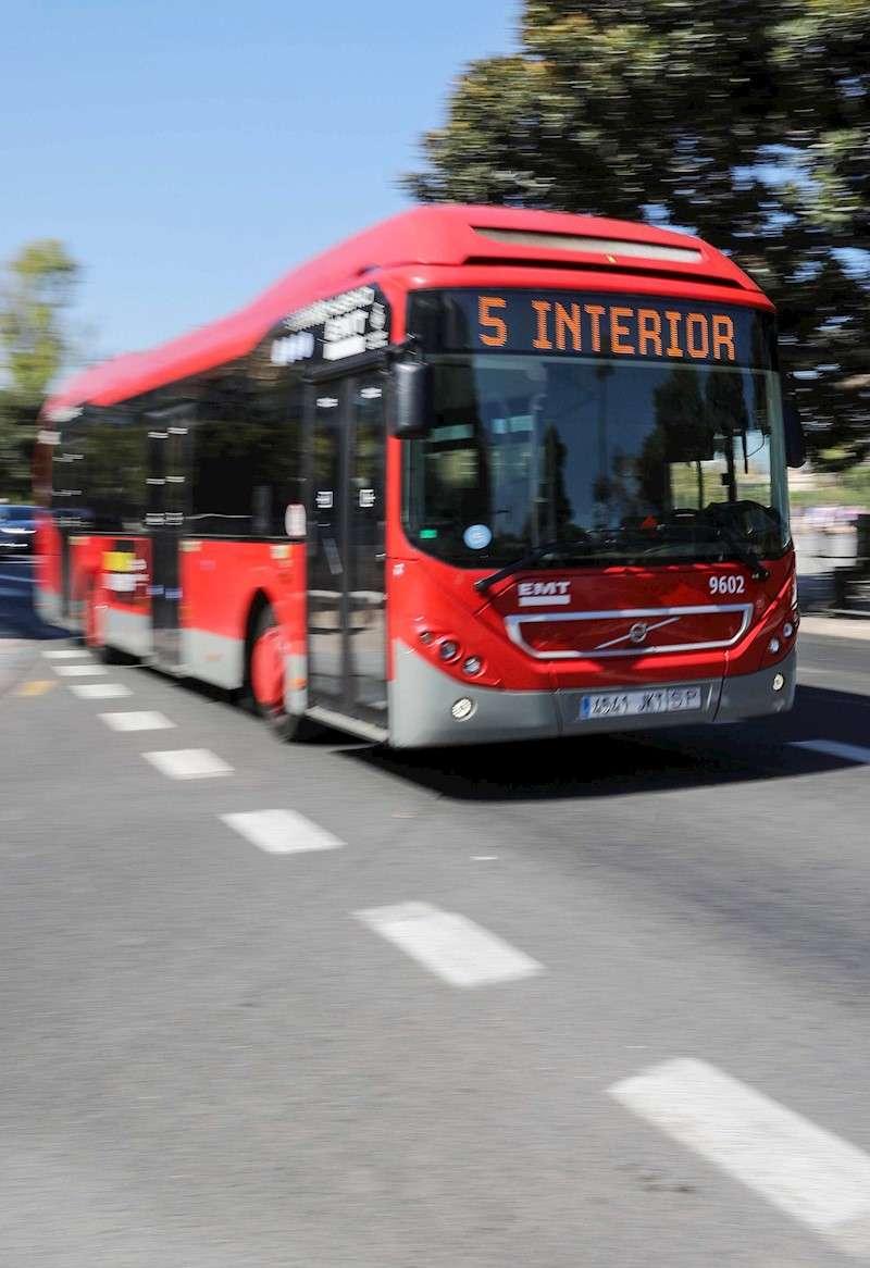 Un autobús de EMT de Valencia. EFE/Archivo