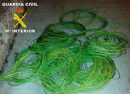 Cableado de cobre del alumbrado público de Corbera. Foto EPDA