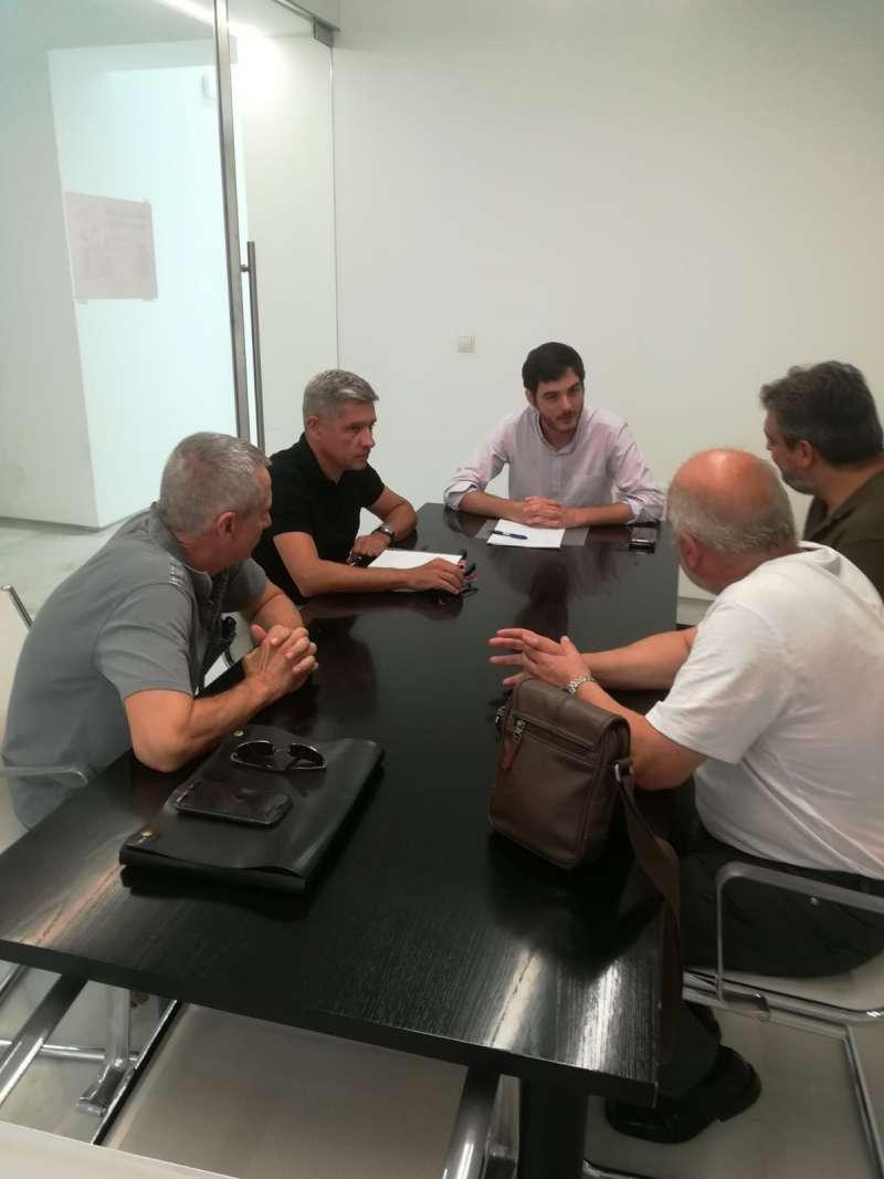Reunión entre la EVha y el consistorio de Alfara del Patriarca. EPDA