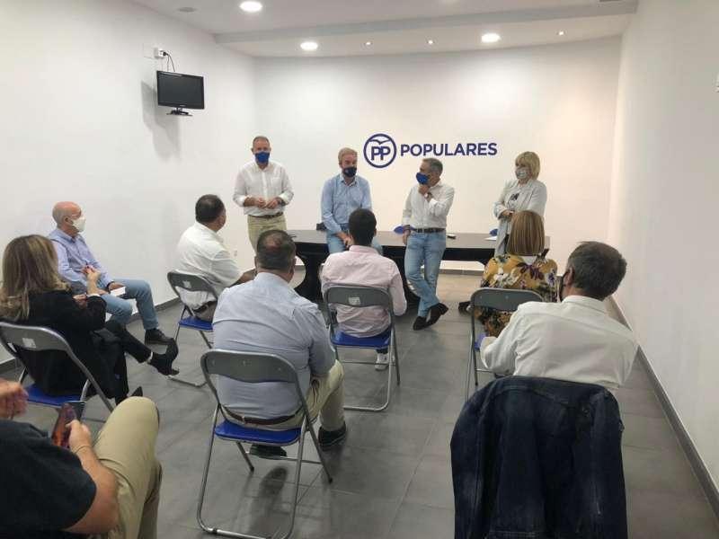 Reunión en Nules con el presidente PPCS Barrachina