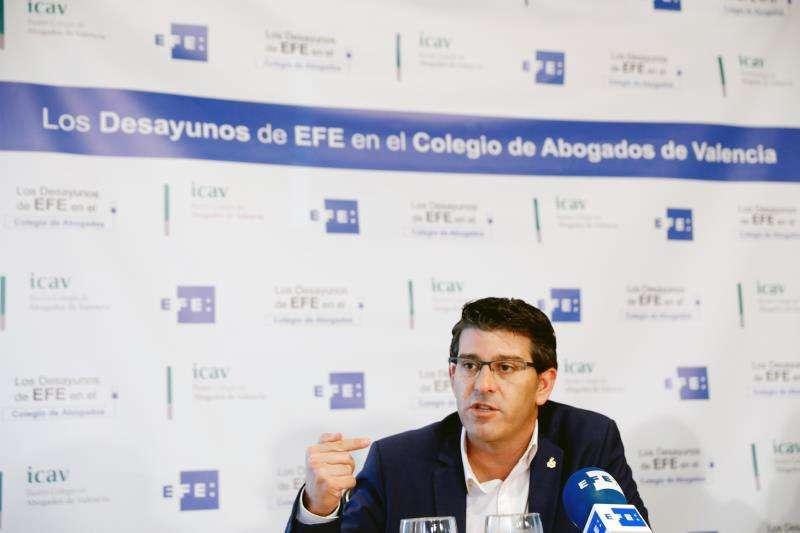El alcalde de Ontinyent y expresidente de la Diputación de Valencia, Jorge Rodríguez, en una entrevista con la Agencia EFE. EFE/Archivo