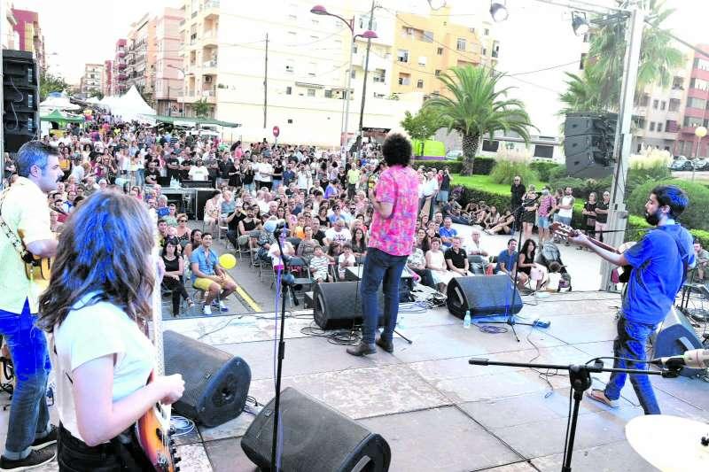 Una de les actuacions durant la celebració de la Fira a Meliana. / epda